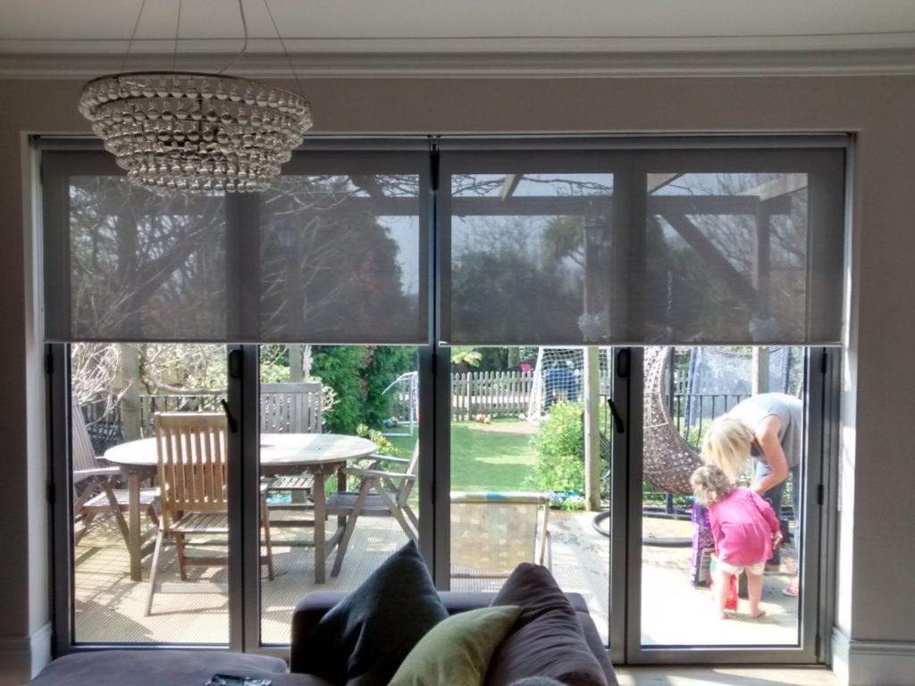 Tipo de cortina ideal para puertas de terrazas - Puertas para terrazas ...