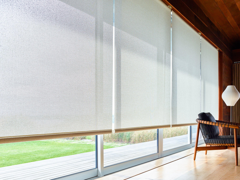 cómo decorar con cortinas enrollables